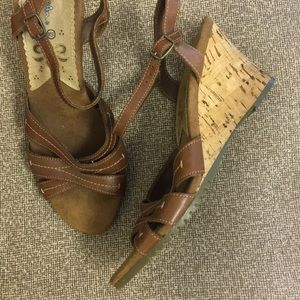 Thom McAn Leather Sandals Cork Wedge Heel 9